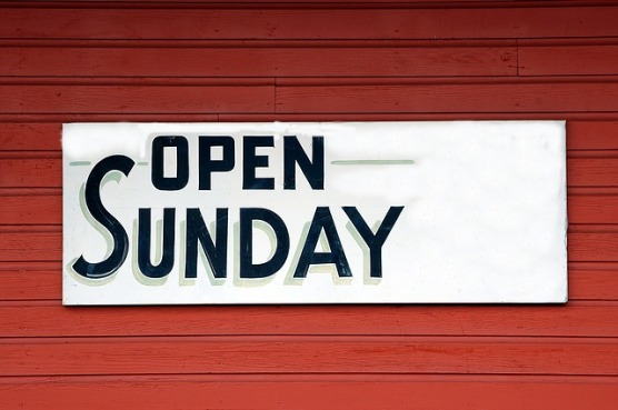 open-sunday-sign-1698635_640